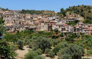 Prefeito de Riace (Região da Calábria- Itália) é preso por ajudar imigrantes sem documentos