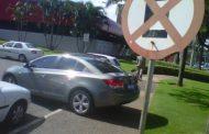 São Paulo testa carro que multa estacionamento irregular