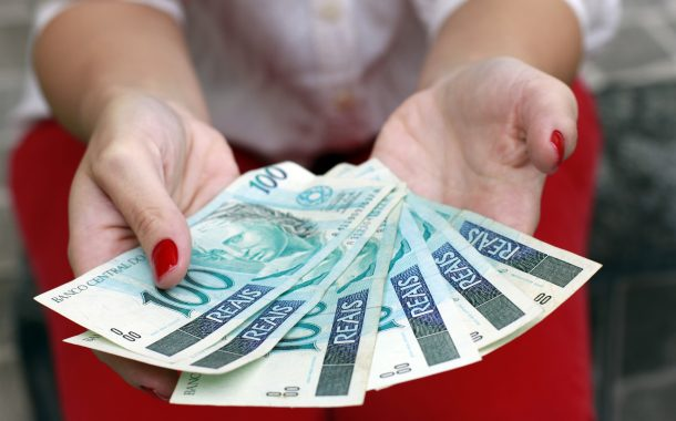 Desemprego e falta de crescimento se deve a interesses particulares, diz Maia