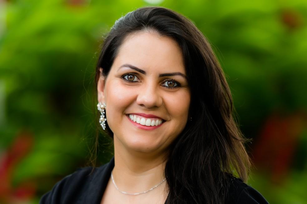 Professora brasileira de ensino bilíngue em libras e português está entre os 10 finalistas do Global Teacher Prize